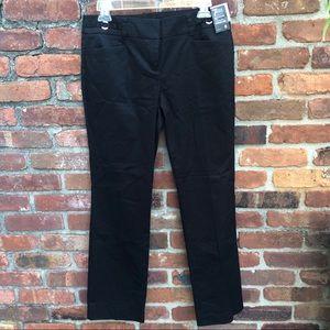 ✨NWT✨ NY & Co Black Capri Pants
